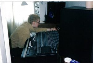 sara carter in her home studio in 2001