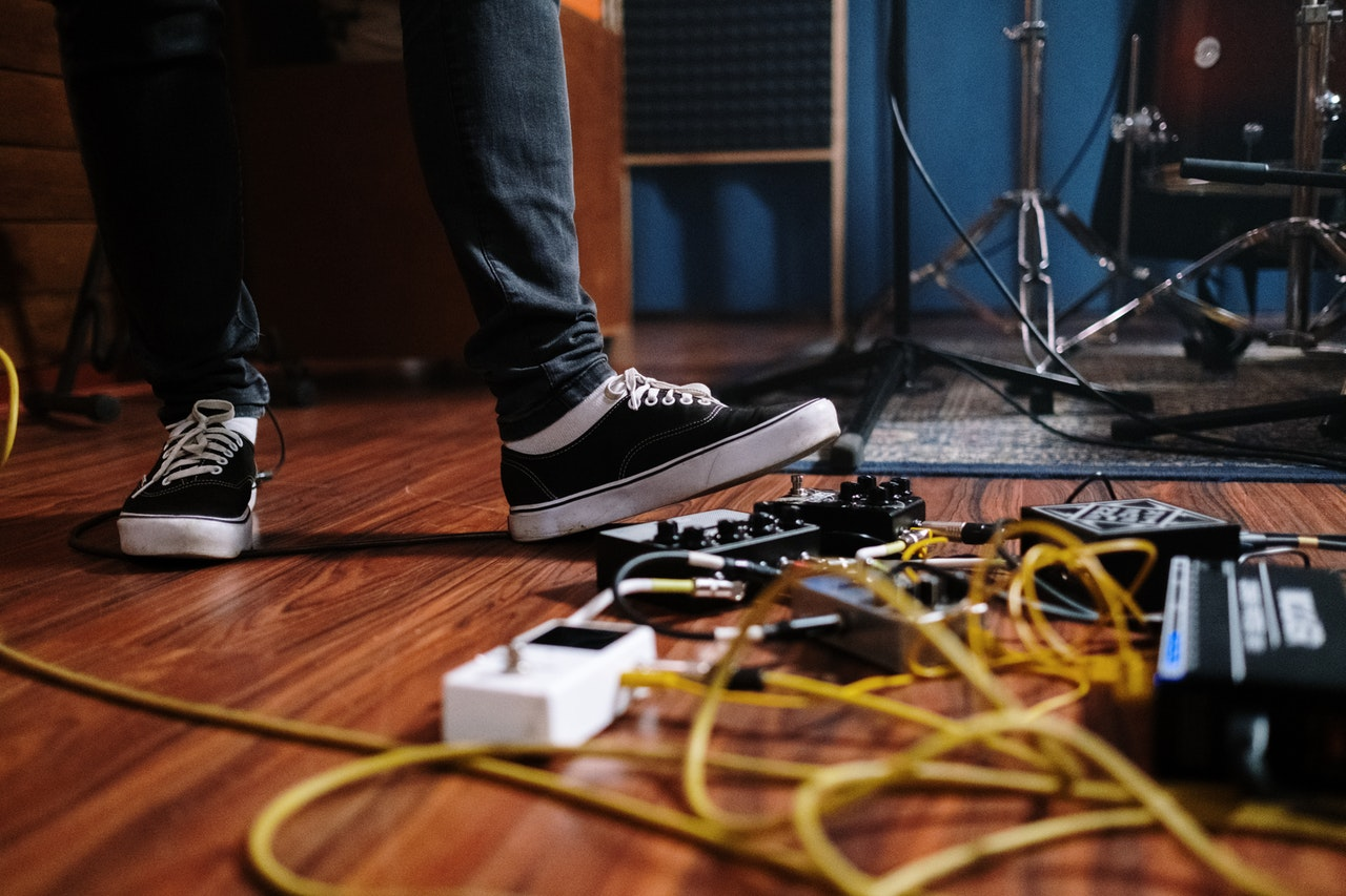 essential guitar pedals of beginners